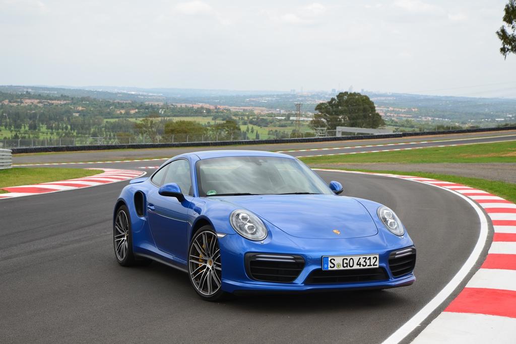 Porsche 911 Turbo blau