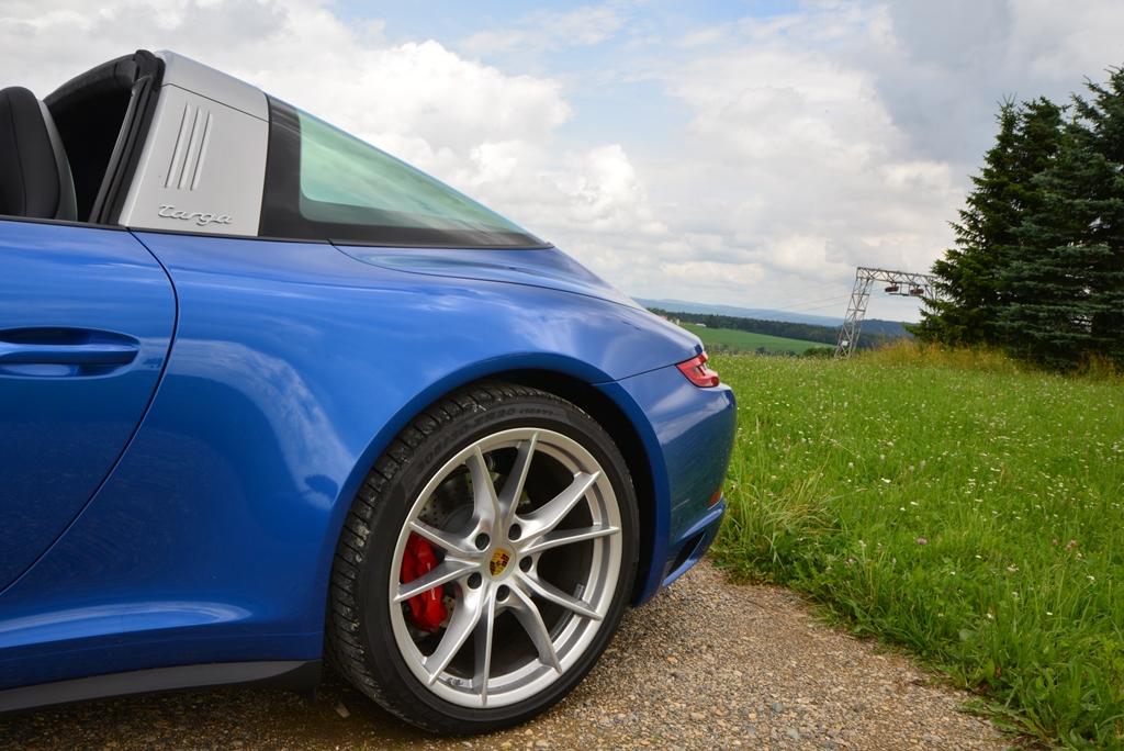 Porsche 911 Targa 4S Heckteil saphirblaumetallic