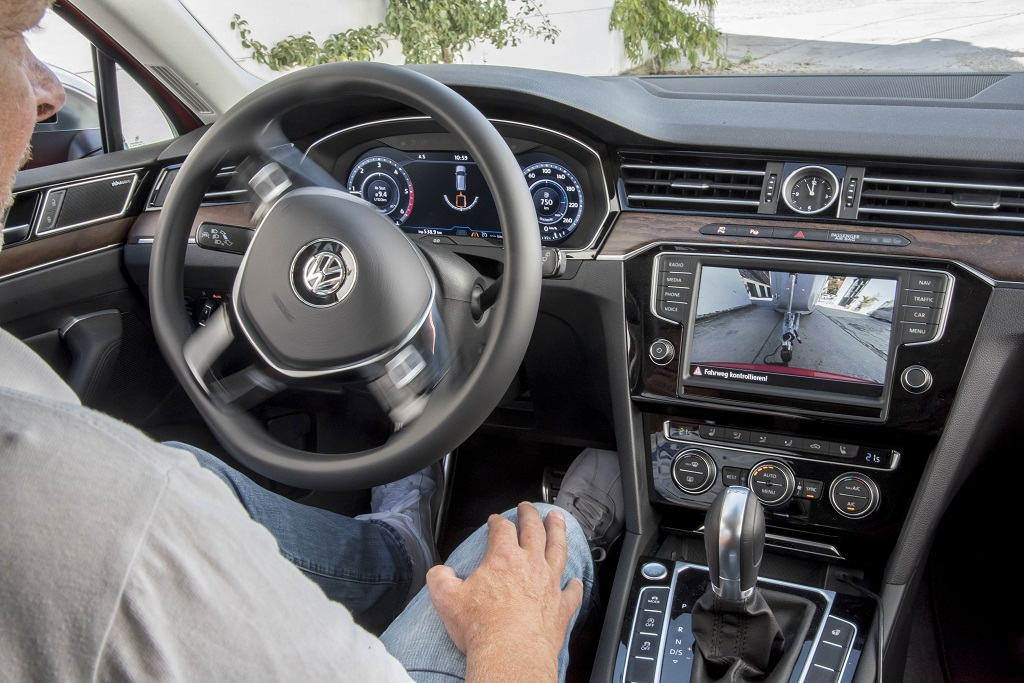Volkswagen Passat Anhängerassistent innen
