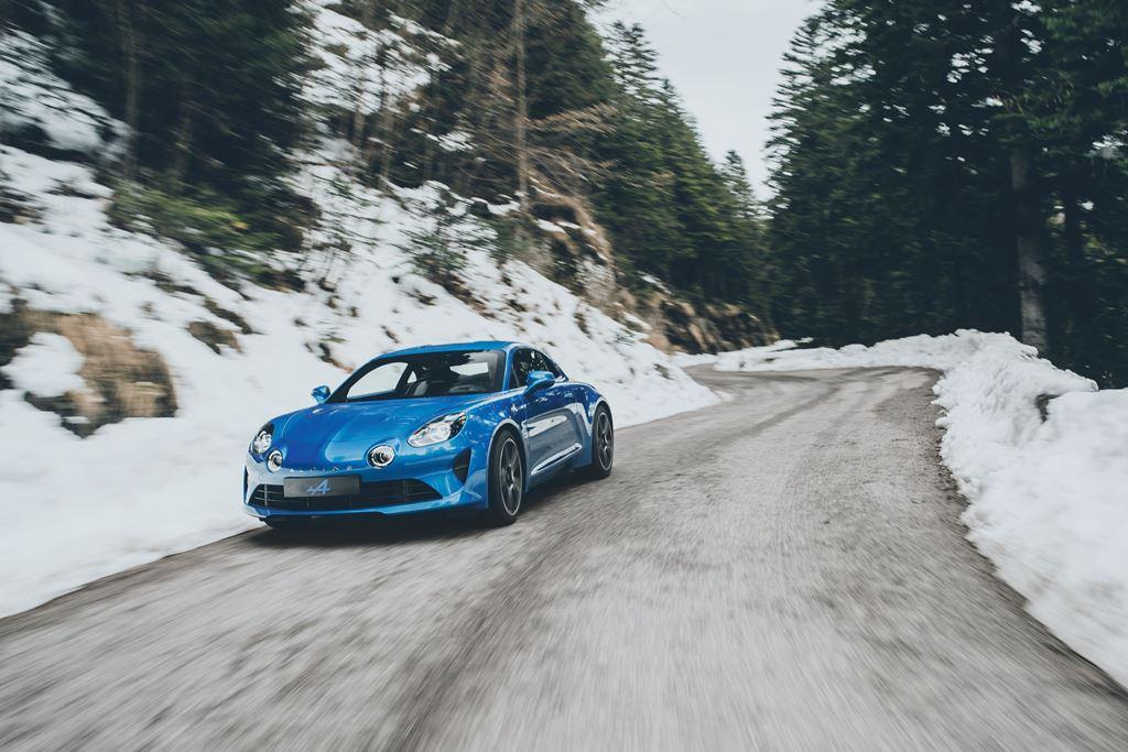 Renault Alpine A110 auf Eis und Schnee