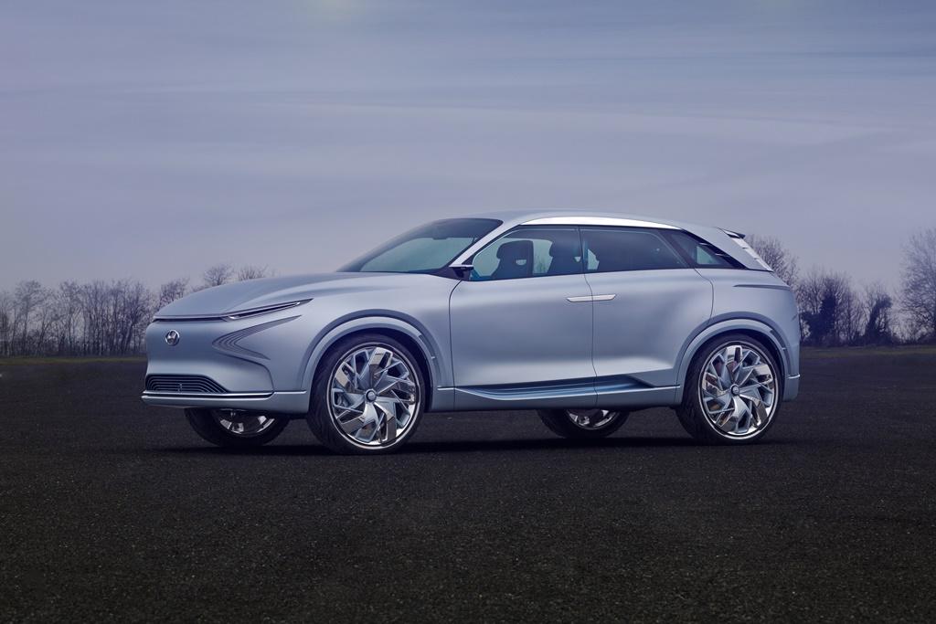 Hyundai FE Fuel Cell Concept silber