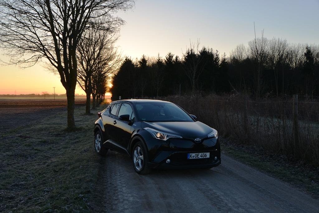 Toyota C-HR Hybrid schwarz