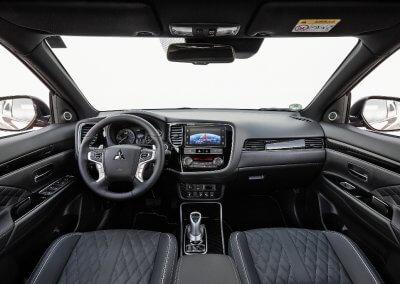 Mitsubishi Outlander PHEV Interieur Cockpit