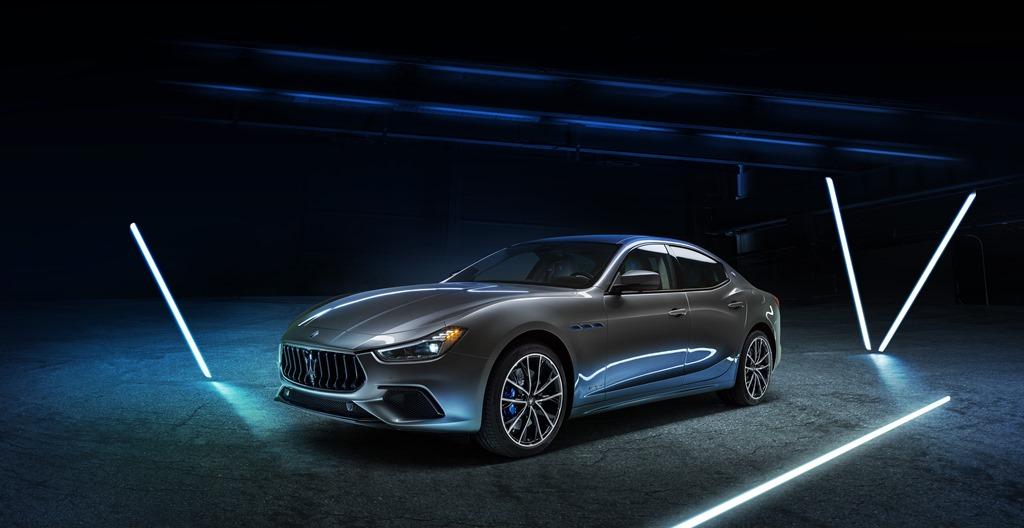 Maserati Ghibli jetzt auch mit 48-Volt-Hybridsystem