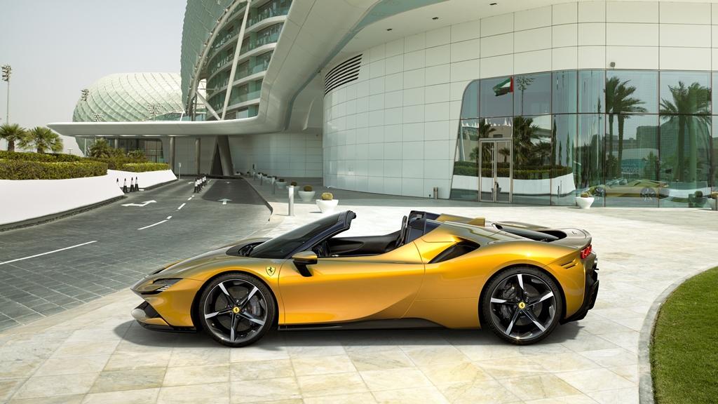 Ferrari SF90 Spider Seite
