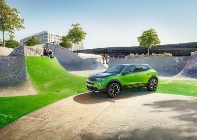 Neuer Opel Mokka mit Markengesicht Opel-Vizor
