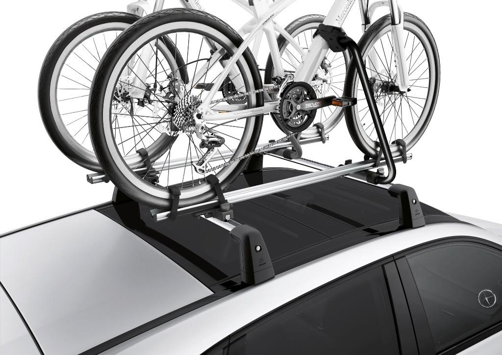 Fahrräder auf dem Autodach