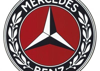 Von Benz stammt der Lorbeerkranz, von der DMG der Dreizackstern.
