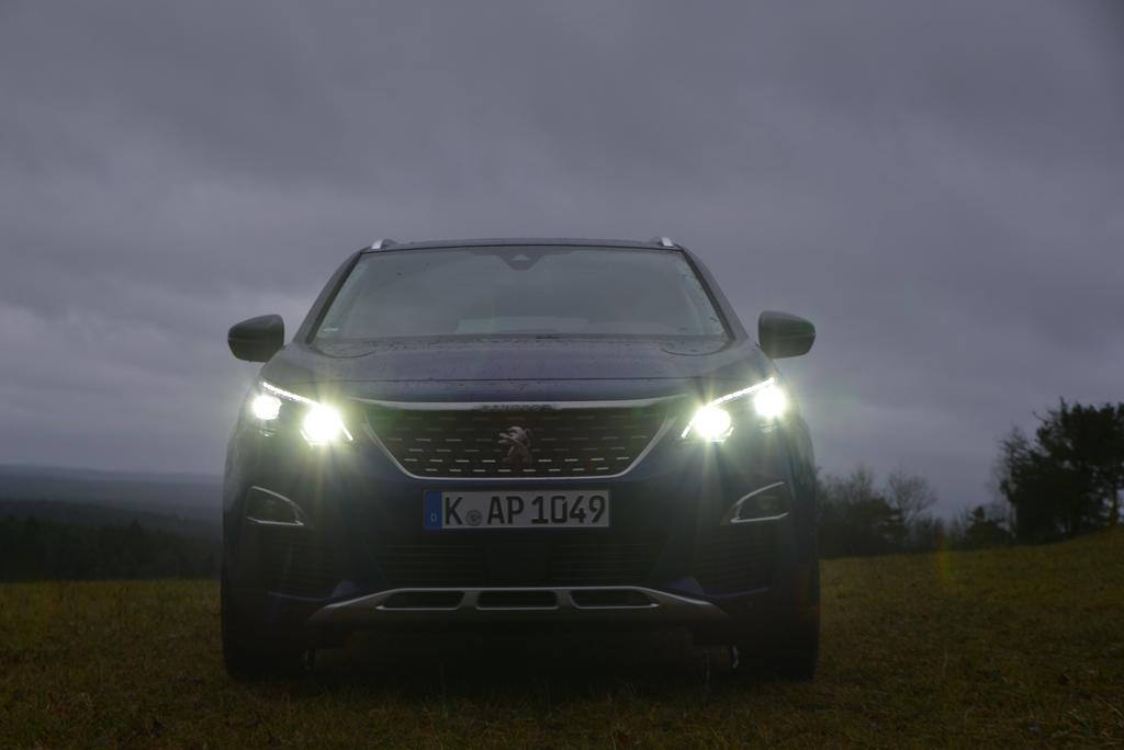 Peugeot 3008 Front LED