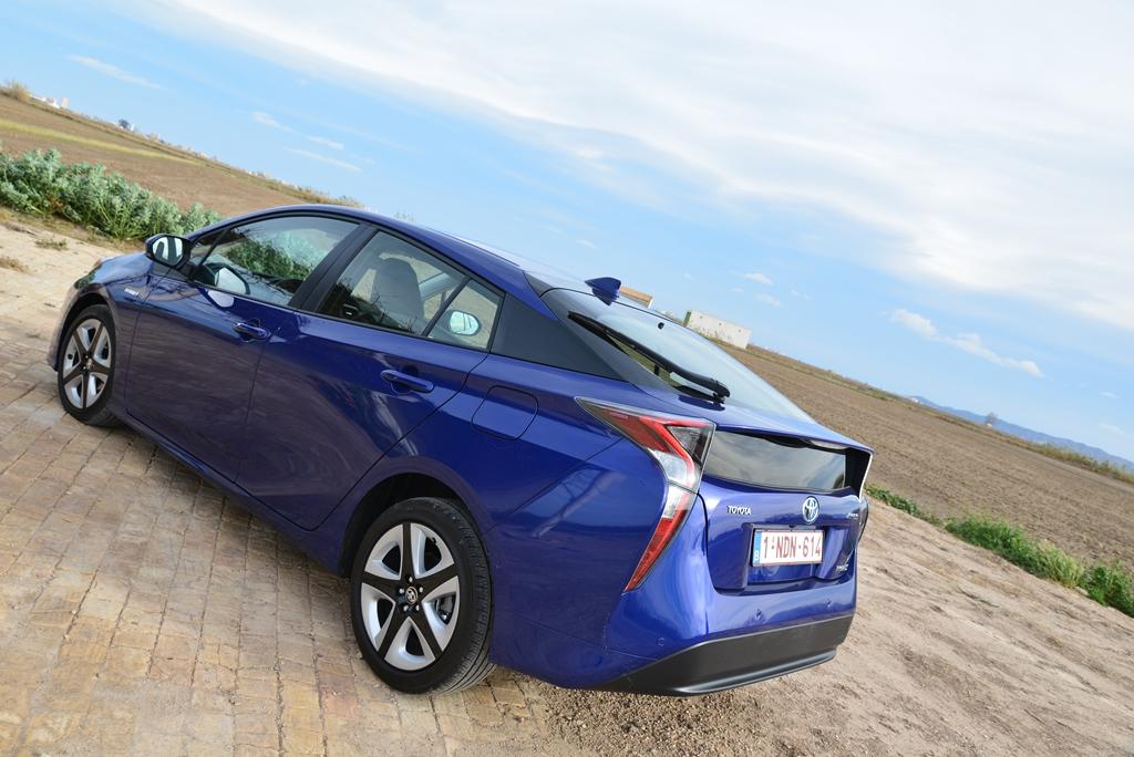 Toyota Prius von hinten