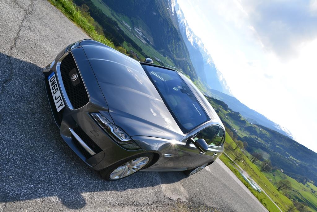 Jaguar XF 20d AWD