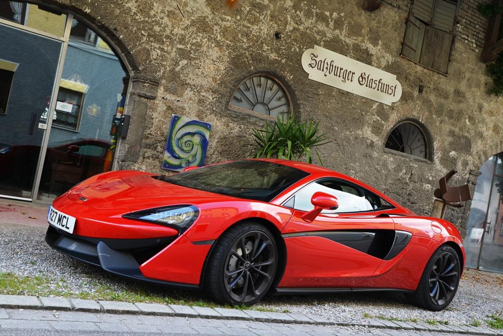 McLaren 540C rot