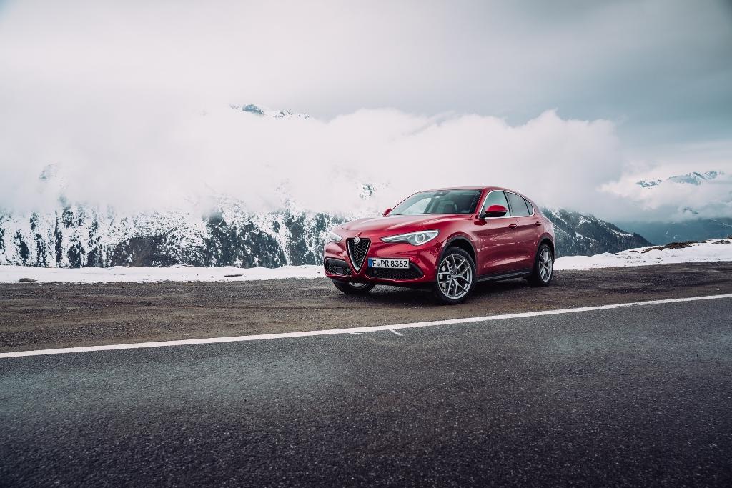 Alfa Romeo Stelvio Front