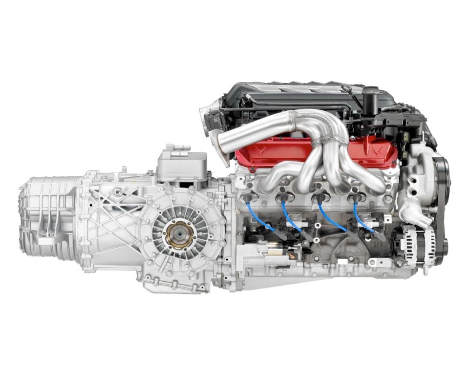 2020 Corvette Stingray's LT2 V-8 engine and dual-clutch transmission
