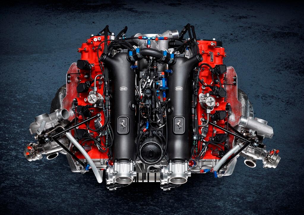 Ferrari 488 GT Modificata Motor