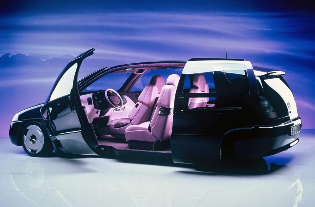 Mercedes-Benz F 100 geöffnete Türen Seite links