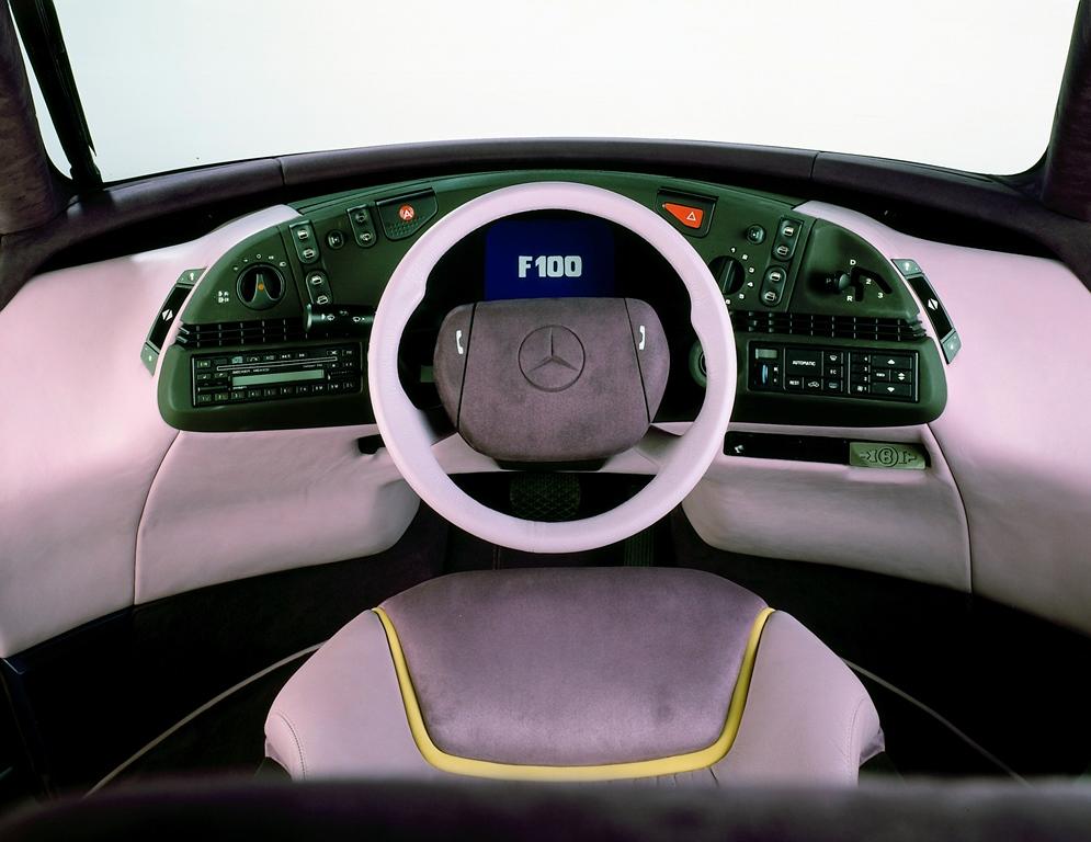 Mercedes-Benz F 100 Cockpit