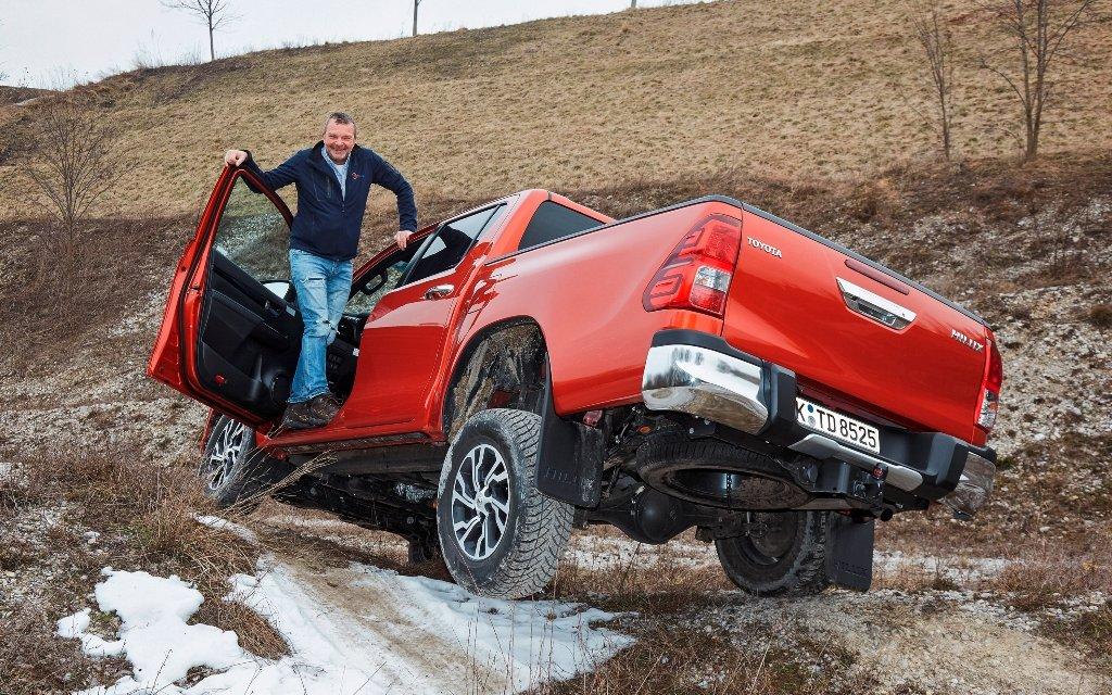 Toyota Hilux Executive – Ab ins Gelände