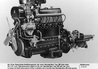 Mercedes-Benz 300 Motor