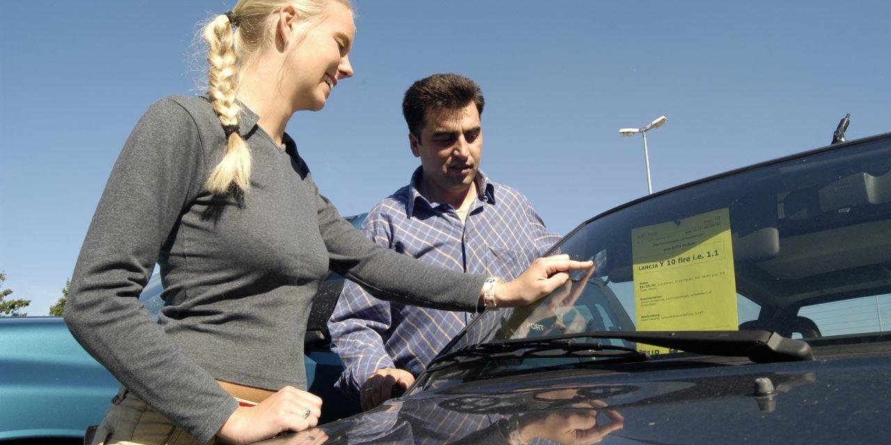 Gebrauchtwagenkauf: Tipps für die Probefahrt