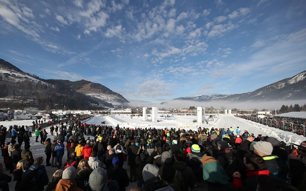 Mega Spektakel in Zell am See beim GP Ice Race