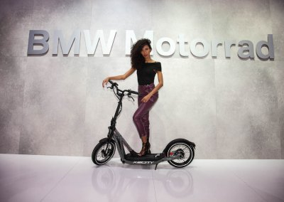 Elektro-Tretroller BMW X2 City
