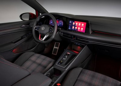 VW Golf GTI 8. Generation Cockpit beleuchtet
