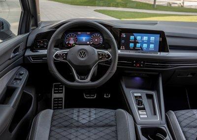VW Golf eTSI