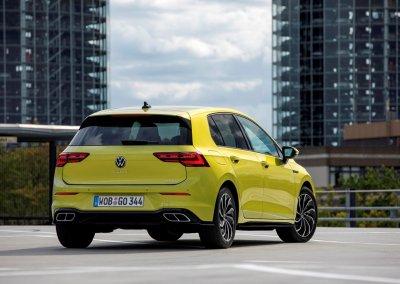 VW Golf eTSI R-Line
