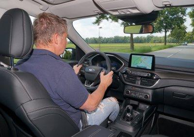 Ford Kuga Vignale 2,0 EcoBlue Hybrid Fahrt innen