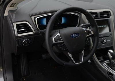Ford Mondeo Vignale Hybrid
