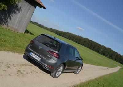 VW Golf TGI