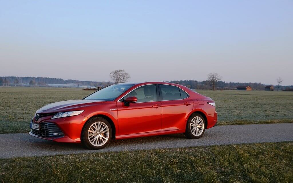 Toyota Camry Hybrid – American Style