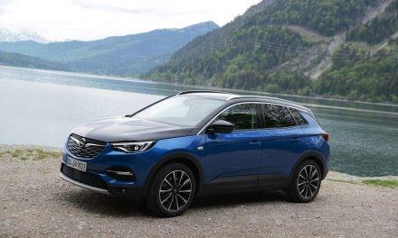 Opel Grandland X Plug-in-Hybrid4 – Stark und sparsam