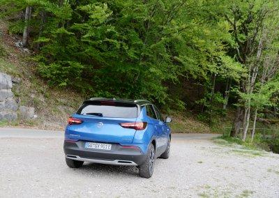 Opel Grandland X Hybrid4 Heck