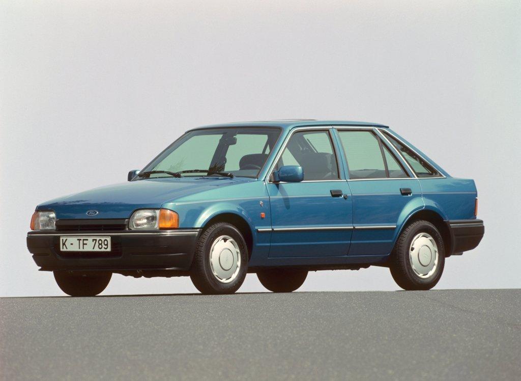 Ford Escort 1,6 Ghia, 1990