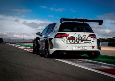 VOLKSWAGEN GOLF GTI TCR Racecar