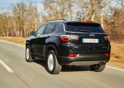 Jeep Compass 4xe Heck