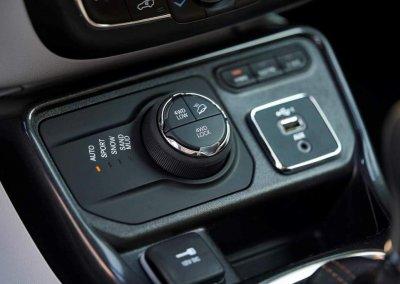 Jeep Compass 4xe Bedienpanel