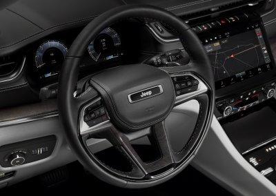 Jeep Grand Cherokee L Overland interior_3