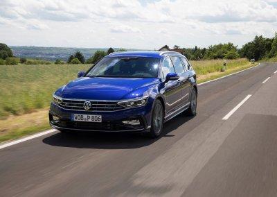 VW Passat Variant 2.0 TSI 4MOTION Elegance R-Line