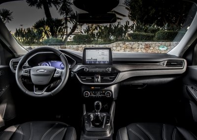 Ford Kuga Vignale 2,0 EcoBlue Hybrid Cockpit