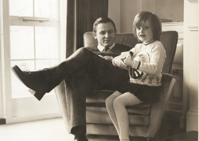 Bruce McLaren with daughter Amanda at the Muriwai House Walton on Thames UK in 1969