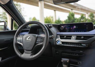 Lexus UX 250h Cobalt interior 01