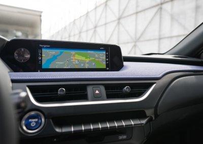 Lexus UX 250h Cobalt interior 05