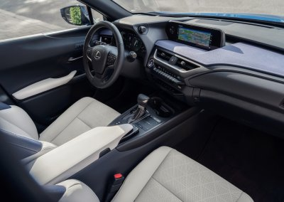 Lexus UX 250h Cobalt interior 11