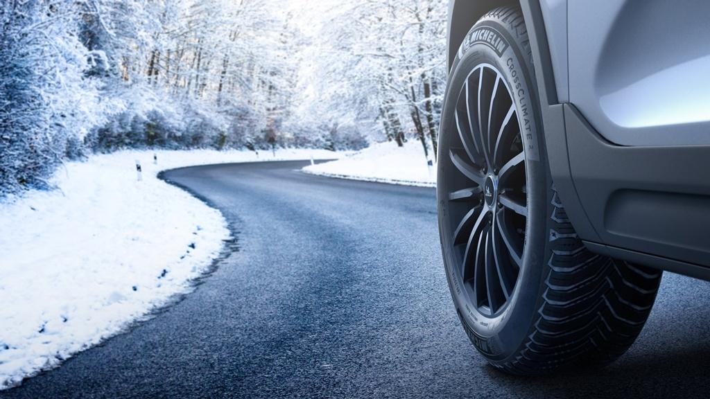 Michelin CrossClimate 2 feuchte Fahrbahn