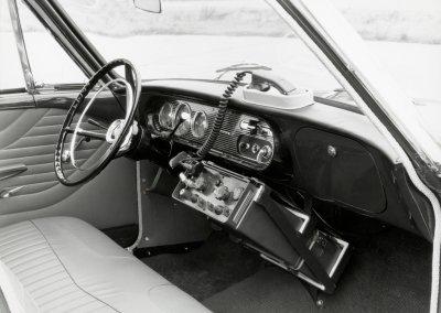 Ford Taunus 17 M P3, Cockpit mit Dienstfunkgeraet, 1960-1964