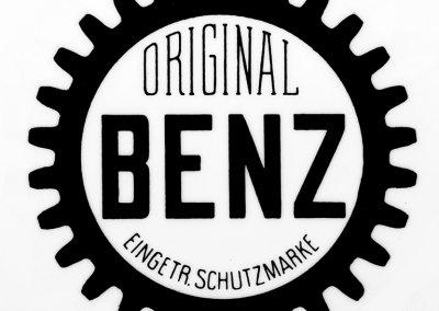 Benz-Markenzeichen mit einem Zahnkranz, 1903.