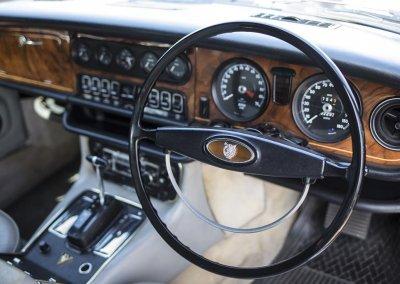 Jaguar XJ Cockpit